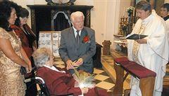 Svateb z domovů důchodců přibývá. Důvodem je i stárnutí populace