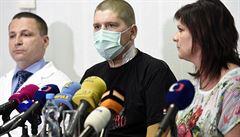 Nevědomky se otrávil léky na bolest. Unikátní transplantace jater v IKEMu ho vrátila do života