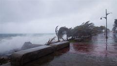 Bouře Erika sužovala Haiti a míří dál. Úřady evakuovali i věznici