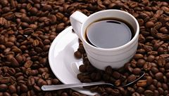 Úterní LN: Uchovávat kávu roky? Nesmysl, říkají experti