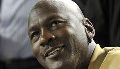 Basketbalová legenda Jordan má v 50 letech dvojčata