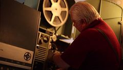 Na filmovou mapu Česka přibyla zpráva o exhibicionistovi i příběh kina Elektra
