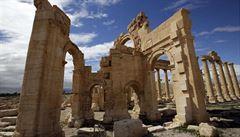 Bitva o Palmýru: útok na Islámský stát nepřežilo na 30 vojáků