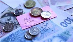 Průměrná mzda v Česku stoupla o 441 Kč na 25 219 korun