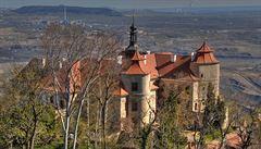 Zámek Jezeří na Mostecku je mezi sedmi nejohroženějšími památkami Evropy