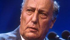 Autor Dne pro Šakala Frederick Forsyth byl dvacet let agentem MI6