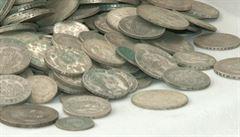 Islámský stát zavádí vlastní mince. Nová měna je zatím opředena tajemstvím