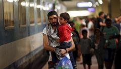 Česko přestane zadržovat syrské uprchlíky. Urychlí tak jejich cestu do Německa