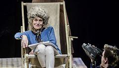 V novince Divadla Na Zábradlí zpívá Havel protestsongy a Olga swinguje
