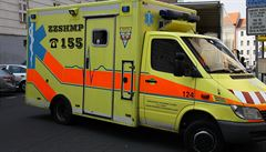 Muž si chtěl přivolat pomoc, na linku 155 se ale nedovolal a zemřel