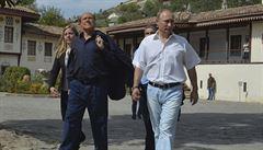 Podvod s vínem: Putin s Berlusconim si pochutnali na odepsaném moku 'za pár rublů'