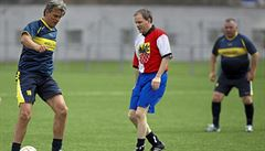Extělocvikář a exministr Chládek je diplomatem ve službách fotbalového bosse Pelty