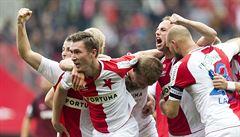 Slavia po třech letech porazila v derby Spartu. Rozhodl kiks brankáře Bičíka