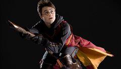 Policejní hlášení: Muž chtěl odletět na koštěti jako Harry Potter