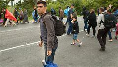 MACHÁČEK: Kopání do lidí po cestě. Systém uprchlických kvót je příliš tvrdý