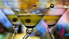 Protřepat, nemíchat. Jak připravit oblíbený drink Jamese Bonda?