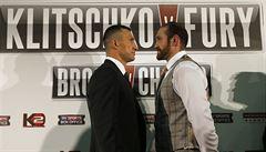 Boxerský souboj mezi Kličkem a Furym se odkládá. Ukrajinec si poranil lýtko