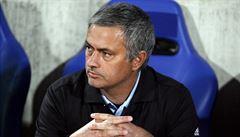 To nejlepší z Anglie: Vysmátý Mourinho i gólman, jenž schytal ránu do hlavy