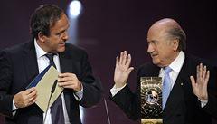 Světový i evropský fotbal bez šéfů. Blatter i Platini mají pozastavenou činnost