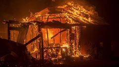 Při požáru v Rusku zahynulo sedm dětí. Jedno z nich mělo zatopit v peci