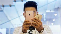 Apple míří k zásadnímu milníku. Vyhlíží miliardtého majitele ikonického iPhonu