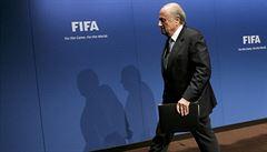 Blíží se Blatterův definitivní konec? Sesadit ho může etická komise
