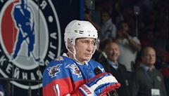 Putin oslavil narozeniny sedmi góly a dostal obraz malovaný ňadry