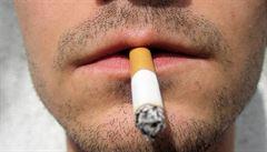Zapálil bar cigaretou, dostal kuriózní trest - roční zákaz kouření