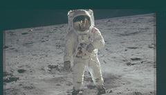 Neznámé snímky z misí Apolla. NASA zveřejnila tisíce fotografií