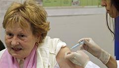 Pneumokoky útočí na seniory i na děti. Důchodci mají nárok na očkování zdarma