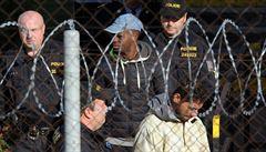 Desítky uprchlíků v Drahonicích drží hladovku. Bojí se deportace a tvrdí, že jsou vězněni