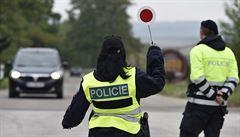 MACHÁČEK: Konec Schengenu by posílil euroskeptiky