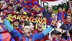 Barcelona znovu pyká za katalánskou vlajku v hledišti. Klub se chce bránit