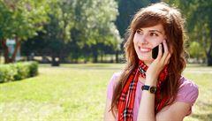 Mobilní volání by mohlo zlevnit, sníží se poplatky