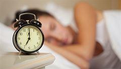 Změna času je pro lidské tělo nepřirozená, varují vědci