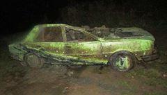 Policie našla 20 let pohřešovanou škodovku, byla na dně nádrže