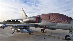 Český letoun se při cvičení srazil se supem. Ze Španělska musí domů po zemi