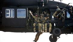 Než zasáhl dron, čtyři vojáci USA zemřeli. Politici zneužívají speciální jednotky