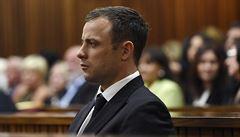 Atleta Pistoriuse po roce propustili do domácího vězení. Čeká ho psychoterapie