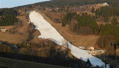 Lyžování v Česku: byznys na vodě. Chybí přírodní sníh a lyžaři