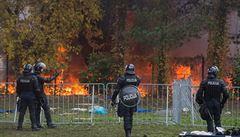 V táboře ve slovinských Brežicích vypukl požár. Jsou tam tisíce uprchlíků