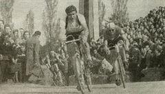 Cyklistovi Veselému tleskaly desetitisíce, ale zradil dělnickou třídu