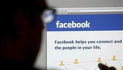 Jak vypadá nová etiketa. Pravidla na Facebooku i volnější seznamování
