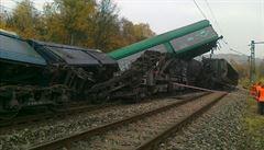 U Teplic se srazily dva nákladní vlaky: jeden mrtvý, milionové škody