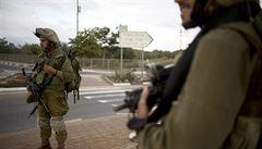 Dvě Palestinky zaútočily nůžkami na izraelskou ostrahu tržiště. Jedna zemřela