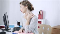 5 tipů, jak předejít bolesti zad. Důležité je protahování svalů, radí lékařka