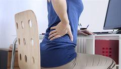 Bolesti zad trápí 80 % Čechů. Fyzioterapie nenahradí zdravý životní styl, říká lékař