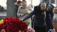 'Zemřela mi dcera. Jak mám dál žít?' Rusové oplakávají své mrtvé blízké