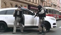 Policisté odhalili marihuanový gang v centru Prahy. Skupinu řídil vrah z vězení