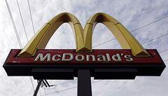 Obnažený McDonald's. Odborníci napočítali 40 ingrediencí v kuřecích nugetách